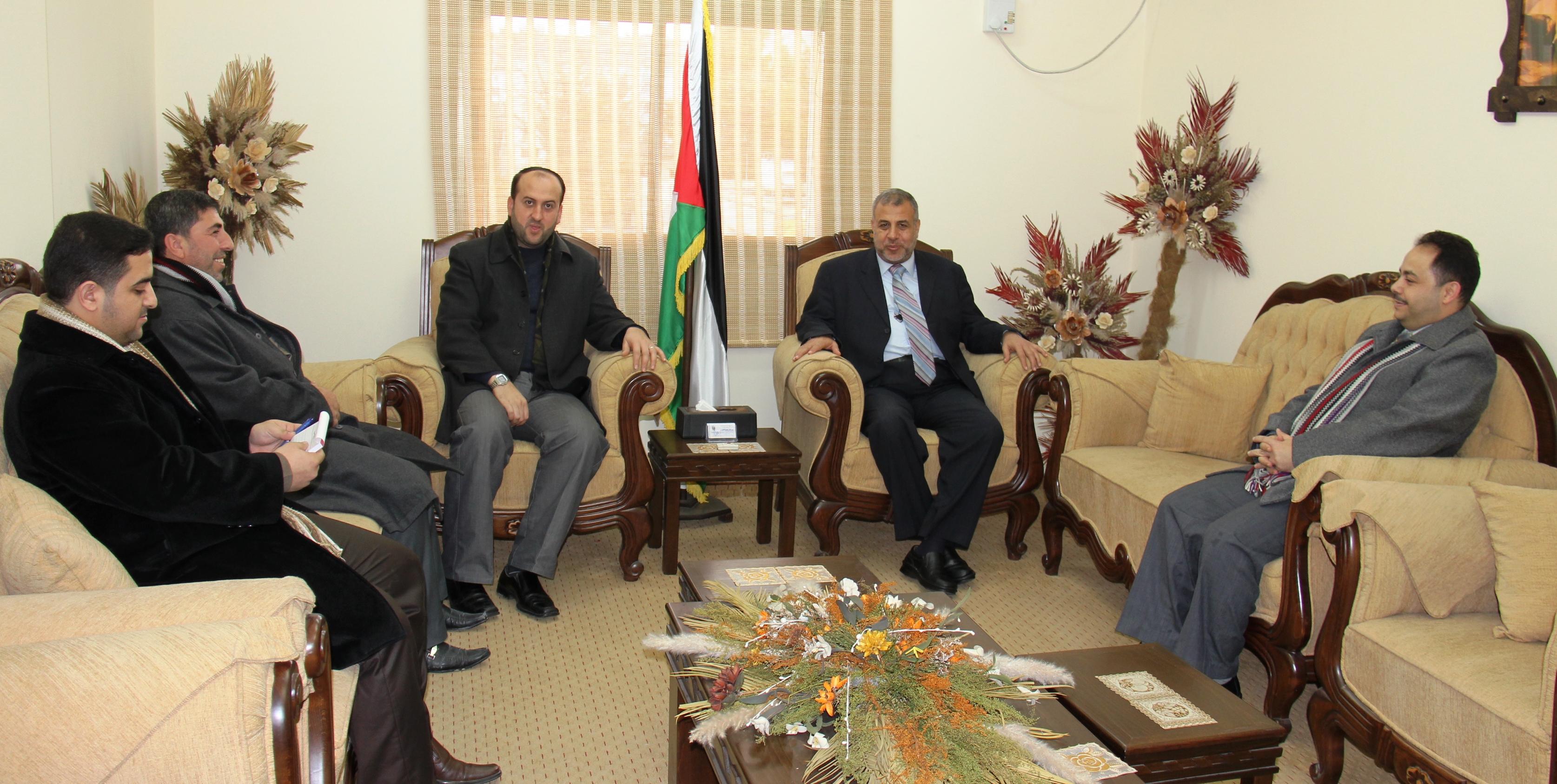الصحة : الوزير المخللاتي يستقبل وفداً من نقابة الصحفيين بغزة