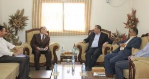 د. نعيم يقر تشكيل لجنة لإعادة استنهاض المجلس الفلسطيني للبحث الصحي