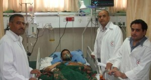أطباء الجراحة في مستشفى شهداء الأقصى ينقذون حياة مريض تعرض لطعنة في الصدر