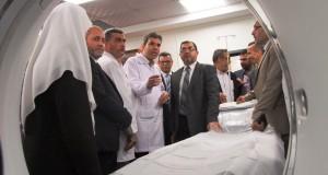 د. نعيم :نفخر بإنجازاتنا الصحية التي اخترقت جدار الحصار