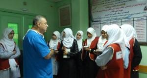 إدارة مجمع الشفاء الطبي تستقبل مجموعة من طالبات مدرسة بنات غزة الإعدادية