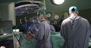 بدأ أولى عمليات المرحلة السادسة لزراعة الكلى بمجمع الشفاء الطبي