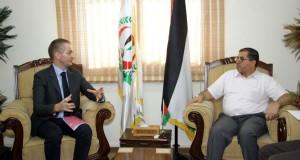 خلال لقاءه مع رئيس بعثة الصليب الأحمر… د. نعيم يطالب المجتمع الدولي بتحمل مسؤولياته تجاه الأوضاع الصحية الخطيرة في قطاع غزة