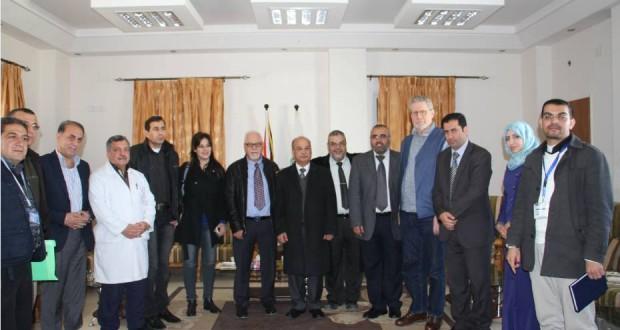 إدارة مجمع الشفاء الطبي تستقبل وفد طبي من مستشفى الناصرة