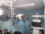 نتيجة نزيف حاد في البطن .. طاقم طبي بالمستشفى الاندونيسي ينقذ حياة مريض بسويعات قليلة