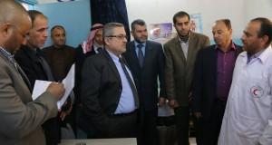 مدير عام الرعاية الأولية يزور مركز صحي القرارة بمحافظة خانيونس