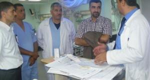 وفد طبي جزائري يكشف على المرضى في مستشفى غزة الأوروبي في عدد من التخصصات الطبية