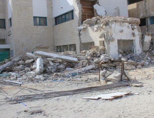 بدء أعمال هدم المبنى القديم لمستشفى الولادة بمجمع الشفاء الطبي
