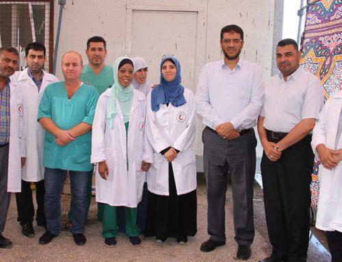 في الجمعة 26 …د.ابو الريش يتفقد النقاط الطبية على أرض مخيمات العودة شرق قطاع غزة*