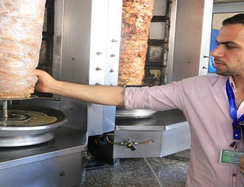 الصحة والاقتصاد تنفذان حملة على مطاعم الشاورما في مدينة غزة