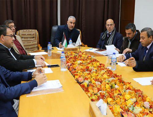 أبو زاهر : نسعى لتعزيز مبدأ الشراكة مع شركات التوريد بالقطاع الخاص
