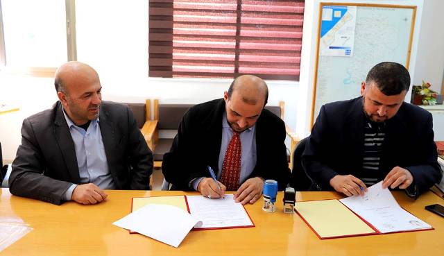 The Ministry of Health in Gaza signs a memorandum of understanding to treat 300 renal patients and 500 cancer patients