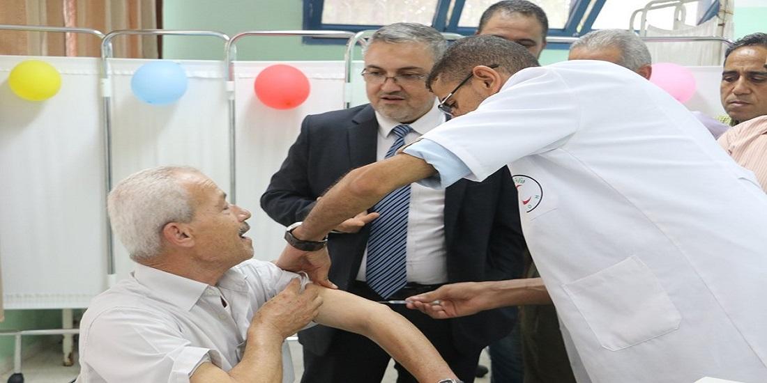 مدير عام الرعاية الصحية الأولية يتفقد مراكز تطعيم الحجاج