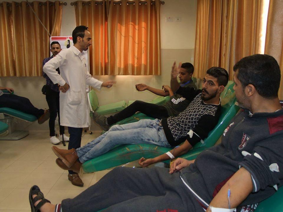 مبادرة شبابية للتبرع بالدم بالتعاون مع مختبر وبنك الدم بمجمع الشفاء الطبي