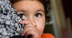 كيف نتعامل مع أطفالنا في ظروف الخطر؟