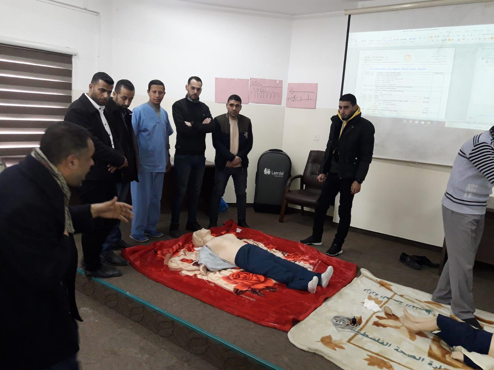 تحت شعار انقاذ الحياة  القوى البشرية بوزارة الصحة تفتتح خمس دورات تدريبية في مهارات دعم الحياة الاساسي