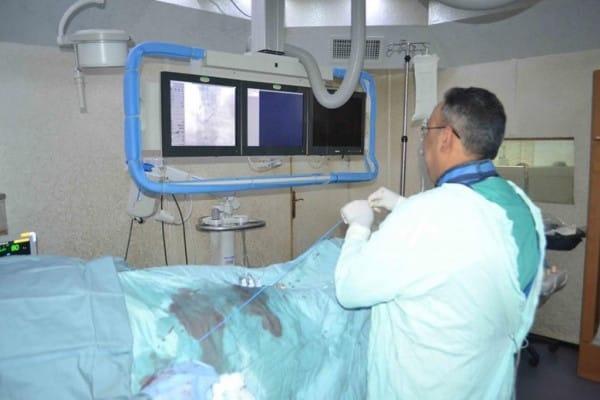 *اجراء عمليات التخثر الدموى والجلطات الدماغية بالقسطرة لتقليل نسب الوفيات بمجمع الشفاء الطبي*