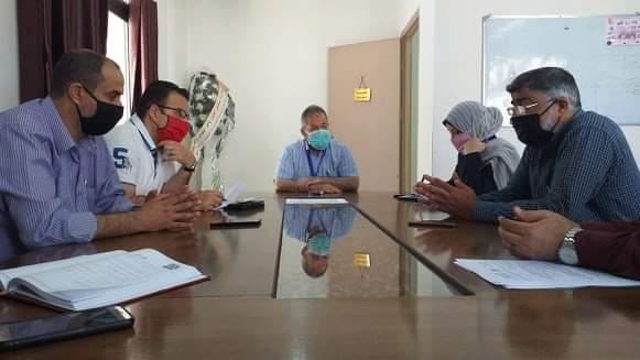 مدير عام المستشفيات يناقش انجازات وحدة الكسور المعقدة بمجمع ناصر الطبى