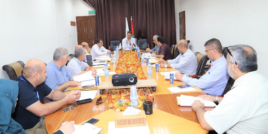 """اللجنة الفنية لملف """"كورونا"""" تؤكد على التقيد باتباع إجراءات السلامة لتحصين المجتمع"""