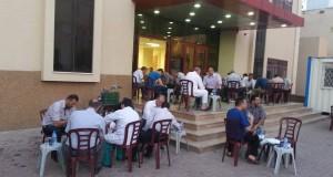 مستشفى شهداء الأقصى ينظم إفطارا جماعيا للموظفين