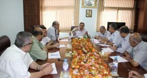 د. نعيم يبحث مع لجنة البعثات تطوير الاداء