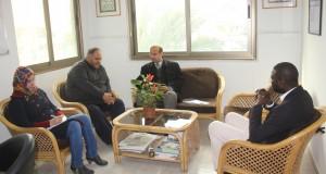 لبحث تداعيات الحصار على القطاع الصحي  …وزارة الصحة تجتمع مع مدير اللجنة الدولية للصليب الأحمر بغزة