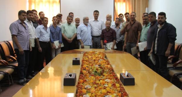 د. أبو الريش يكرم الموظفين المميزين في الإدارة العامة للهندسة والصيانة