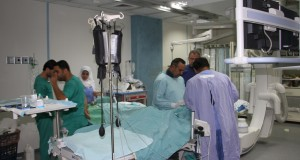 صنفت من العمليات النادرة عالميا و الثانية على مستوى فلسطين .. الصحة تجرى عملية قسطرة لشريان الكلى الأيسر لمريض ثلاثيني