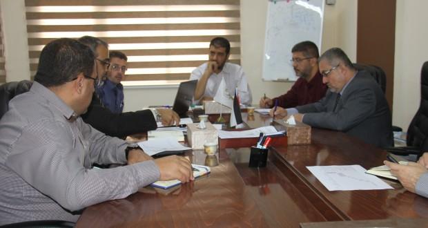 وكيل وزارة الصحة د. يوسف ابو الريش يعقد لقاء مع اللجنة المركزية لمتابعة خطة الوزارة