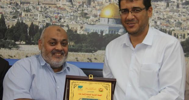وزارة الصحة تكرم الهيئة  العربية لإعمار غزة على جهودها في دعم مشاريع الإعمار