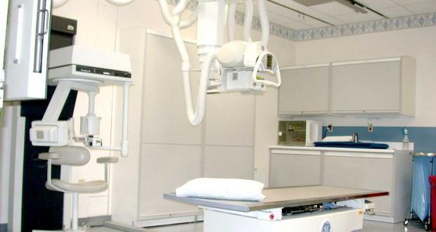 الوحيد في قطاع غزة…مجمع الشفاء الطبي يتسلم جهاز أشعة مقطعية متطور