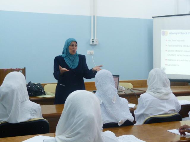 """التعليم المستمر بمجمع الشفاء الطبي ينظم لقاء تدريبي بعنوان """"الرعاية ما بعد الولادة"""""""