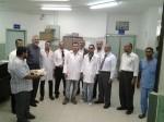 وفد من وزارة الصحة وادارة مستشفى النجار  يهنئ العاملين فيه بمناسبة عيد الأضحى