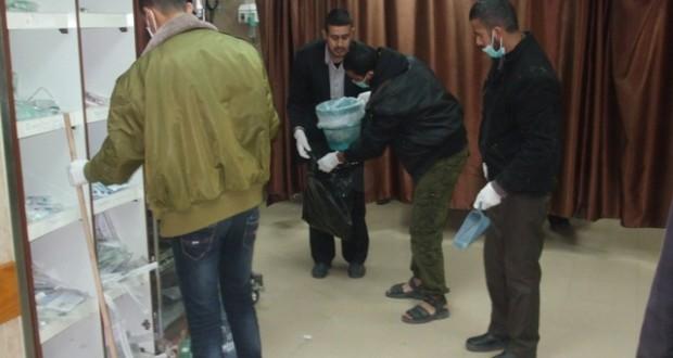 عائلات في المنطقة الوسطى تشارك في تنظيف مستشفى شهداء الأقصى